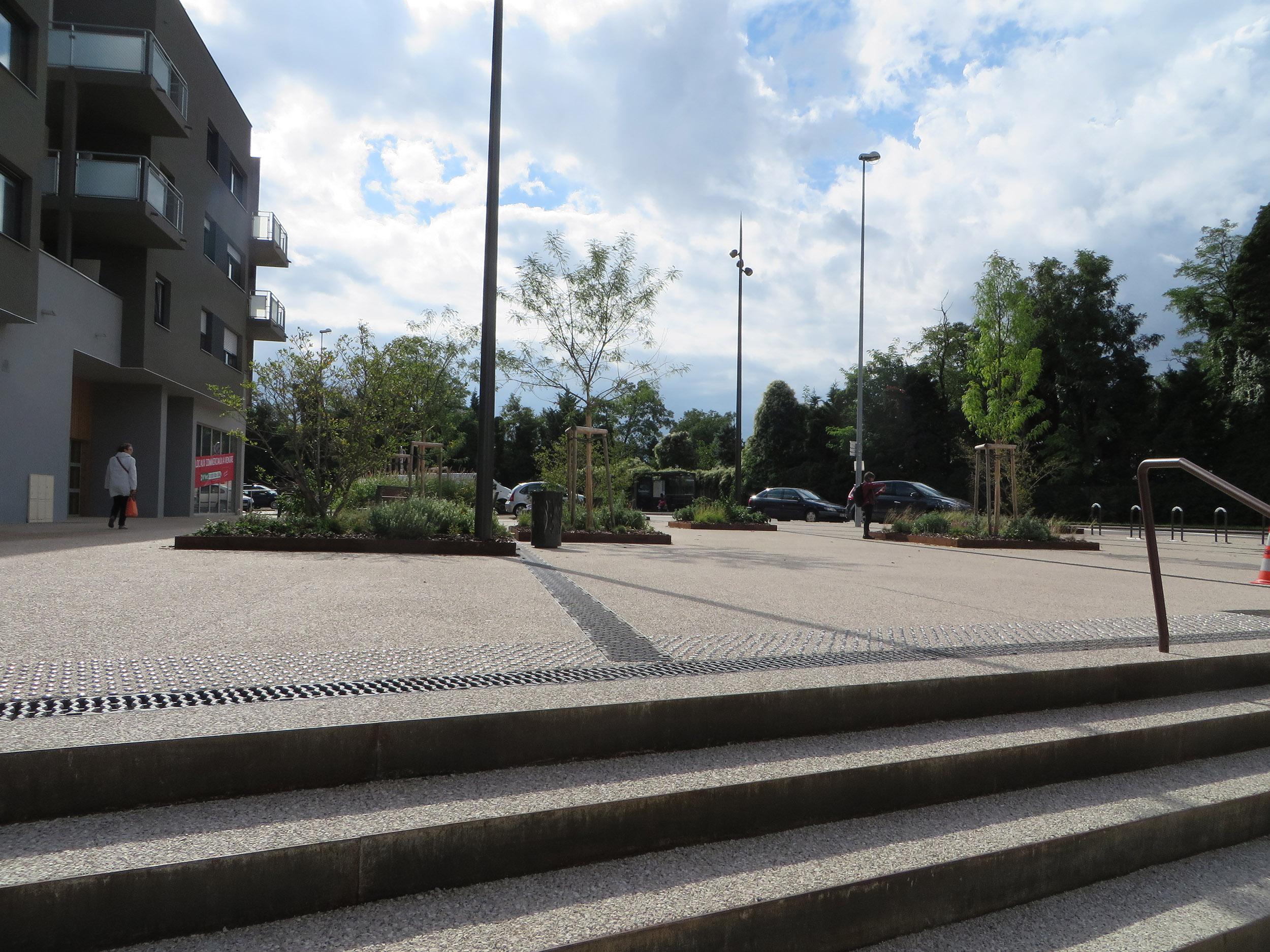 http://iups.eu/wp-content/uploads/2017/01/placette-F-Mitterrand-Strasbourg-livraison-automne-2015-3.jpg